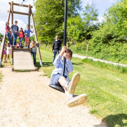 la tyrolienne aire de jeux parc de loisirs nature bretagne