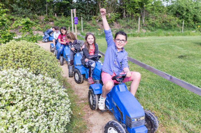 les minis tracteurs parc de loisirs et aire de jeux finistère les jeux